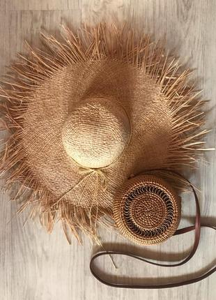 Соломенная шляпа с широкими полями2 фото