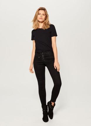 Базовая черная футболка в рубчик canda for c&a