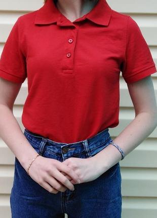 Жіноче поло червоного кольору