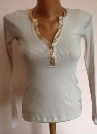 Тонкая трикотадная брендовая блуза. /xs/ brend guess