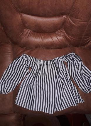 Актуальная блуза в полоску с чёкером