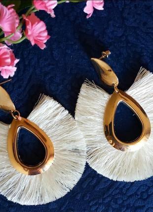 Сертги в стиле zara сережки бежевые нити кисти бахрома