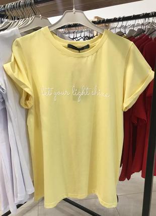 Стильна футболка з надписом, лимонний колір