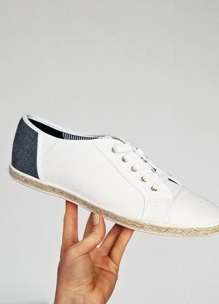 Стильные,текстильные кеды с вставками джинса,на шнурках