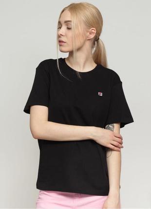 Шикарная футболка fila 😍😍 новая , с бирочкой, оригинал