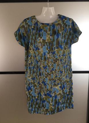 Цветное платье свободного прямого фасона м-l. платье базовое