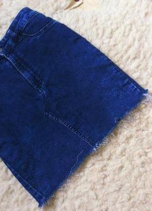 Крутая джинсовая юбка с бохромой