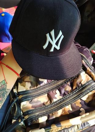 Бейсболка кепка реперка new york yankees