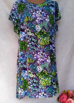 Красивое вискозное  летнее платье свободного кроя в цветочную поляну размер 22-24(52-56)