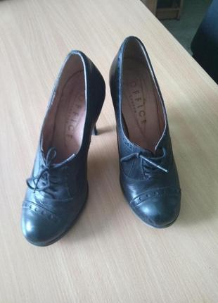 Кажаные туфли (ботильоны) осень-весна