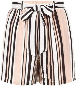 Красивые и модные легкие шорты new look в полоску