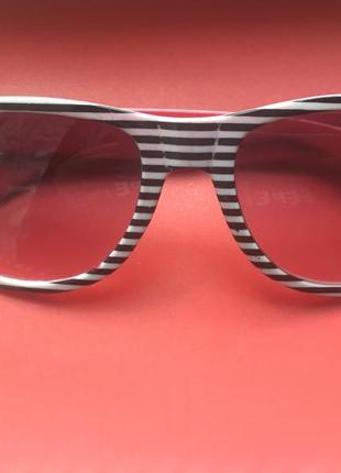 Очки в полоску солнцезащитные