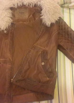 Стильная куртка фирмы zara