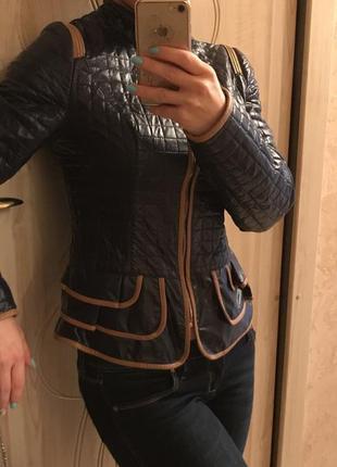 Стильная куртка ciao lover с оригинальной баской