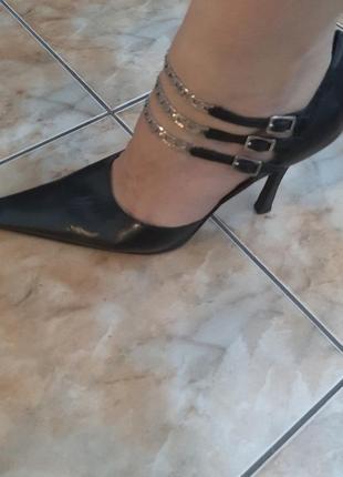 Итальянские туфли с острыми носами, 38 р.vero cuoio.