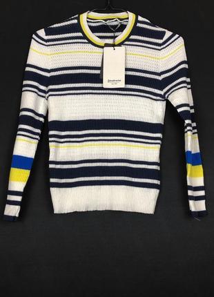 Трикотажный свитер в полоску