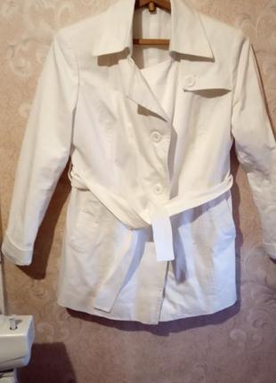 Удлиненный пиджак.