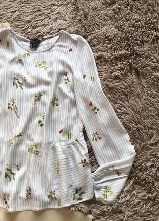 Красивая нежная блуза свободного кроя в цветочный принт6 фото