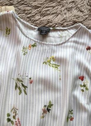 Красивая нежная блуза свободного кроя в цветочный принт7 фото