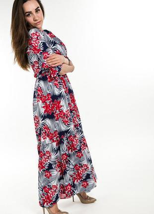 Очень яркое и легкое платье