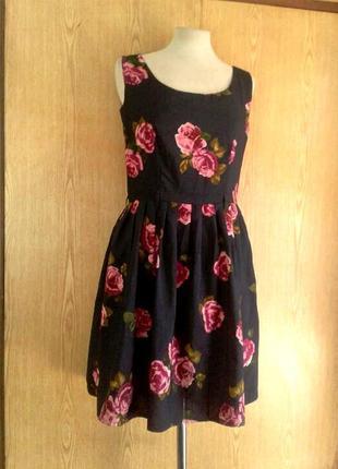 Штапельное чёрное в розовых цветах платье , l.