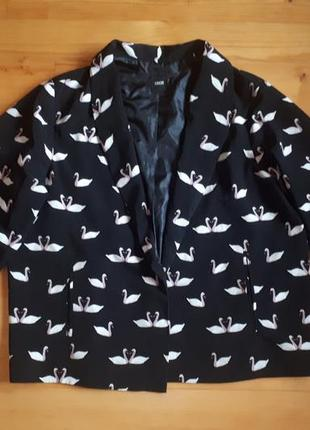 Стильный пиджак с лебедями