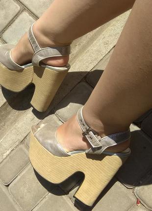 Серебряные босоножки на высоченной платформе sale