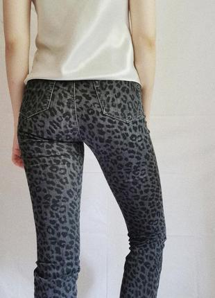 Винтажные леопардовые джинсы3 фото