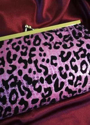 Леопардовый вечерный фиолетовый клатч бархатный со стразами и серебристой фурнитурой