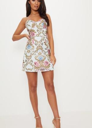 Платье с винтажным принтом. новое с биркой. размер s. prettylittlething
