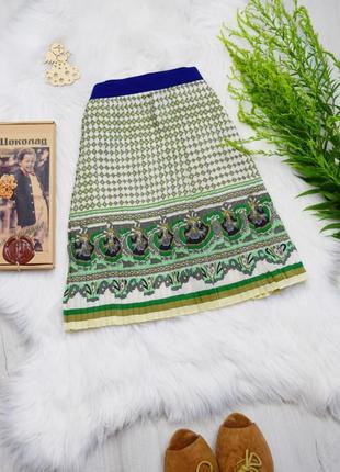 Актуальная плиссированная юбка интересный принт узор