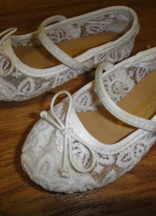 Шикарные нежные туфли босоножки балетки h&m на девочку