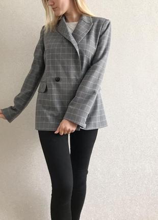 Пиджак в клетку серый жакет