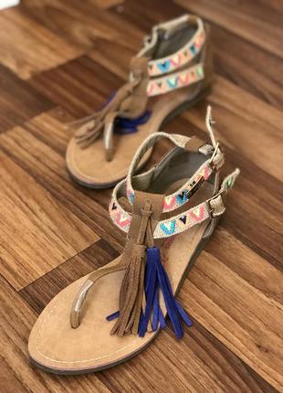 Крутые кожаные босоножки les tropezienes сандали 39р кожа