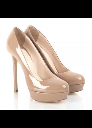 Туфли бежевые лаковые на каблуке 36