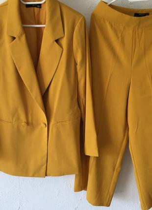 Костюм брючный - широкие брюки, как модно