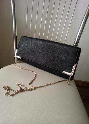 Сумка клатч new look черная на золотой цепочке