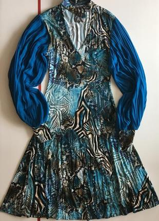 Платье с чокером sassofono