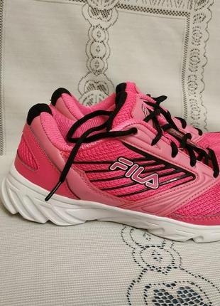 Красивые женские беговые кроссовки fila оригинал