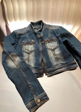Джинсовая куртка короткая джинсовка