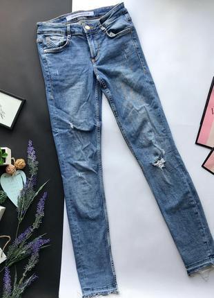 Высокие узкие синие рваные джинсы с высокой посадкой скинни / skinny zara