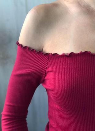 Красивый топ бордо в рубчик на плечи2 фото