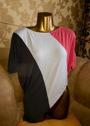 Трёхцветная асимметрическая футболка блуза