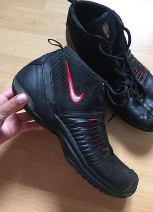 Кожаные кроссовки ботинки nike