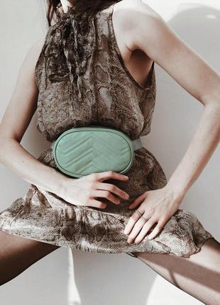 Новая! поясная сумка из натуральной итальянской кожи мятного цвета