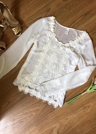 Неймовірно ніжна кружевна блуза