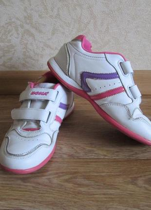 Кожаные кроссовки р.36