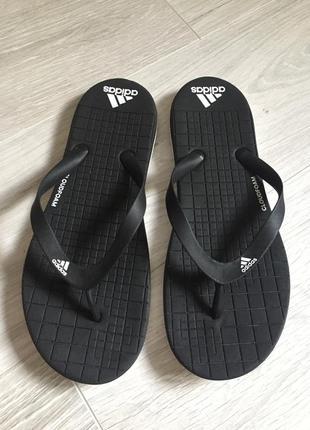 Шлёпанцы вьетнамки adidas