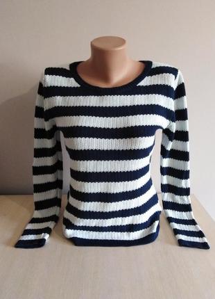 Вязанный свитер в полоску