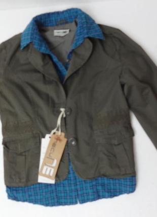 Молодёжная куртка с вшитой рубашкой. размеры l-хl.. защитная с кружевом.